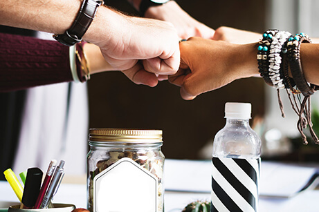 Business collaboration: 9 ideas to grow and scale quickly