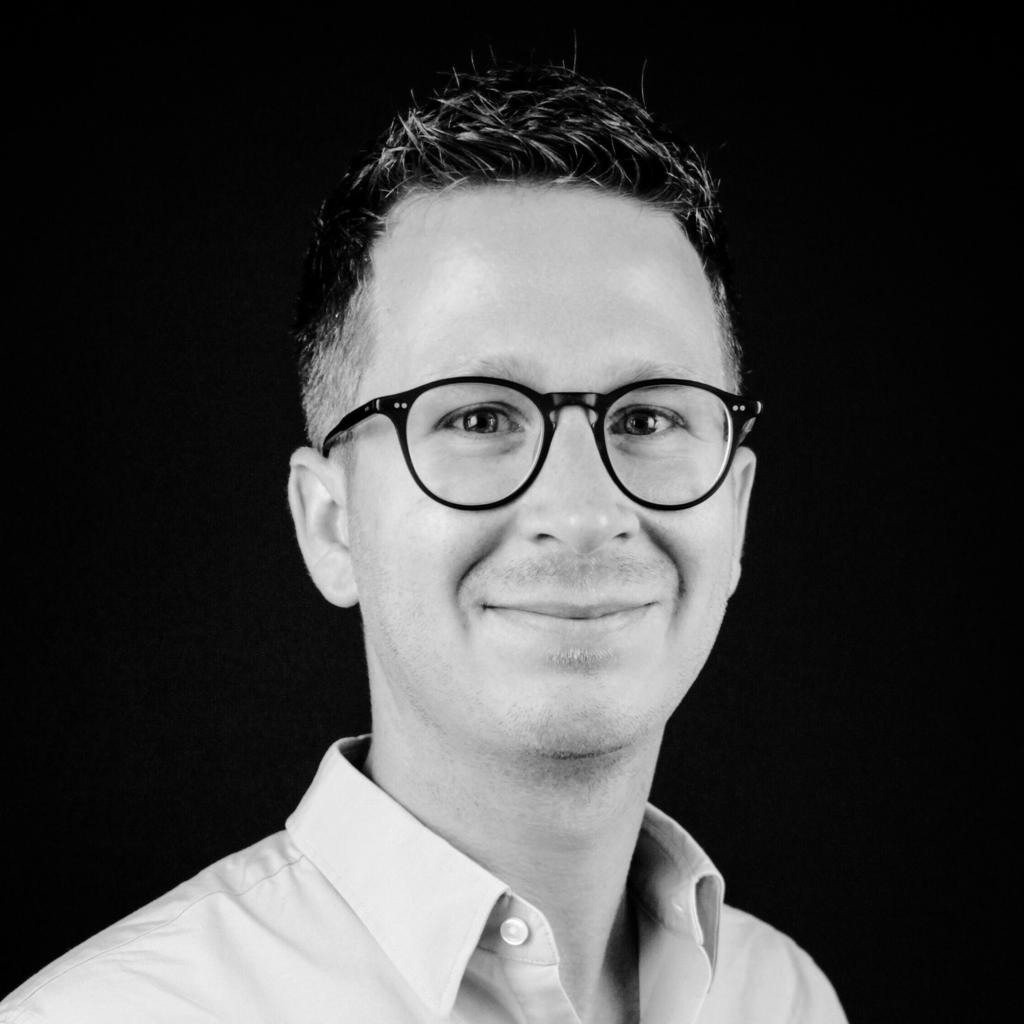 Daniel Spruenker // realxdata