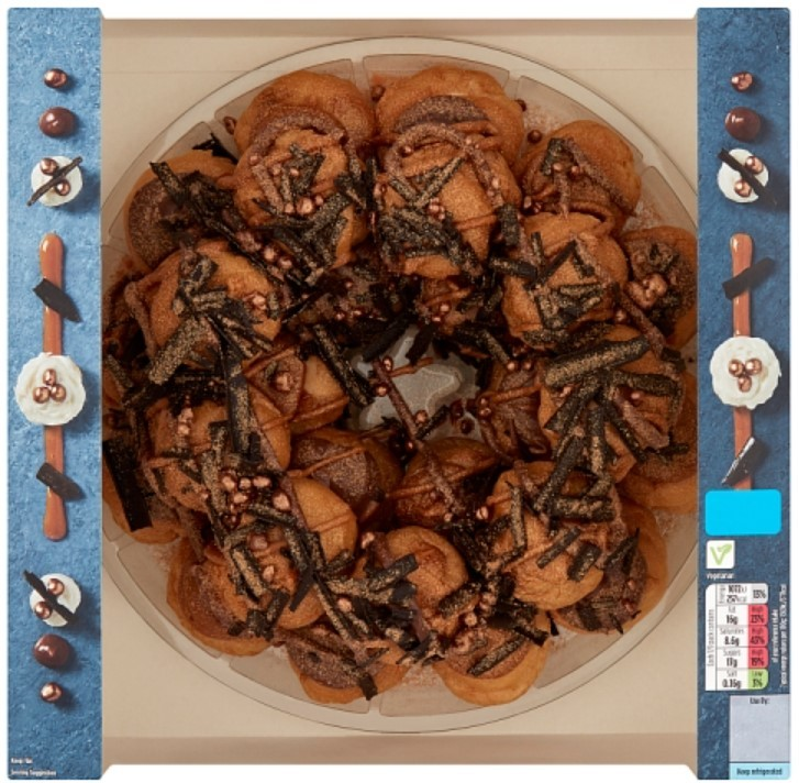 Asda Extra Special Chocolate and Caramel Profiterole Wreath, Elisabeth the Chef