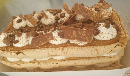 Asda Extra Special Salted Honey & Caramel Meringue Stack, Country Style Foods