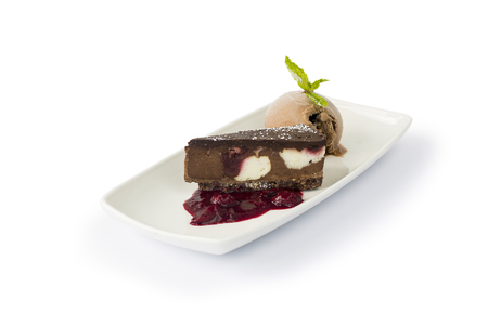 Brakes Vegan Cherry & Chocolate Dessert