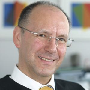 Dr. Manfred Eggersdorfer